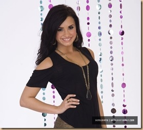 J-Terrill-2010-Photoshoot-demi-lovato-14287520-430-392